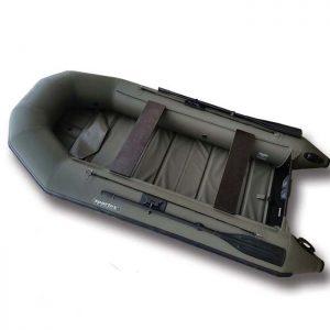 Зелёная надувная лодка